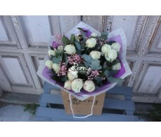 19 White bubbles bouquet